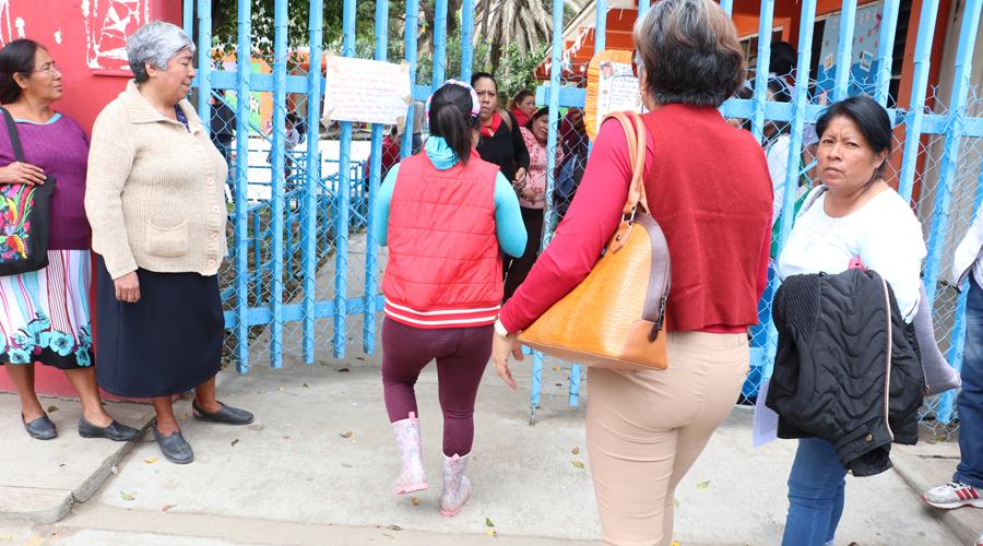 Acusan a docentes de la Sección 22 de dividir el CAM 2 | El Imparcial de Oaxaca