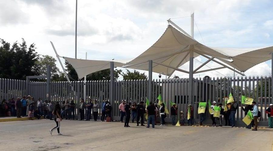 Con movilizaciones demanda FIOB atención para comunidades | El Imparcial de Oaxaca