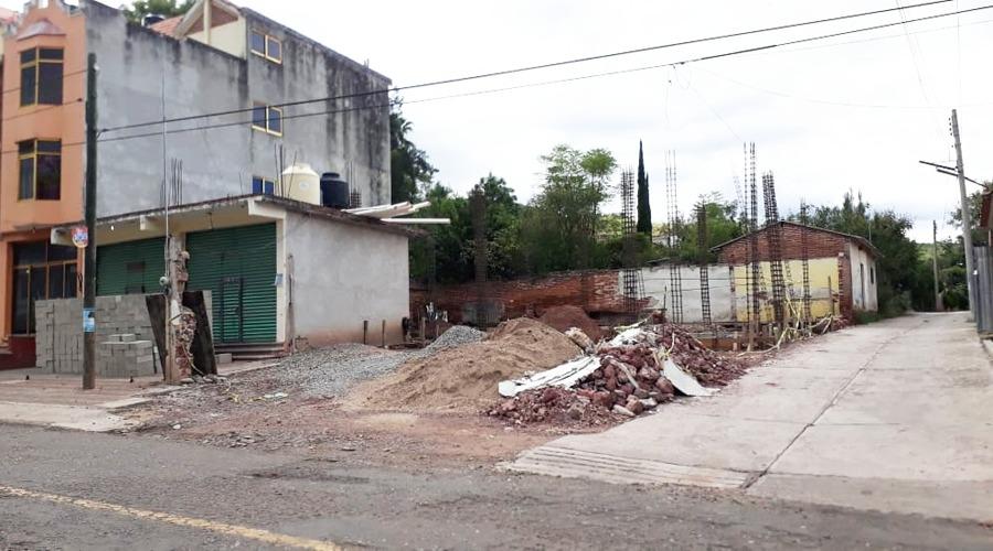 Sigue tomado predio donde ubicarían tienda en Huajolotitlán | El Imparcial de Oaxaca