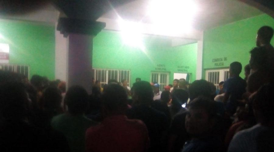 Agentes de la AEI son confundidos con secuestradores en Tehuantepec | El Imparcial de Oaxaca