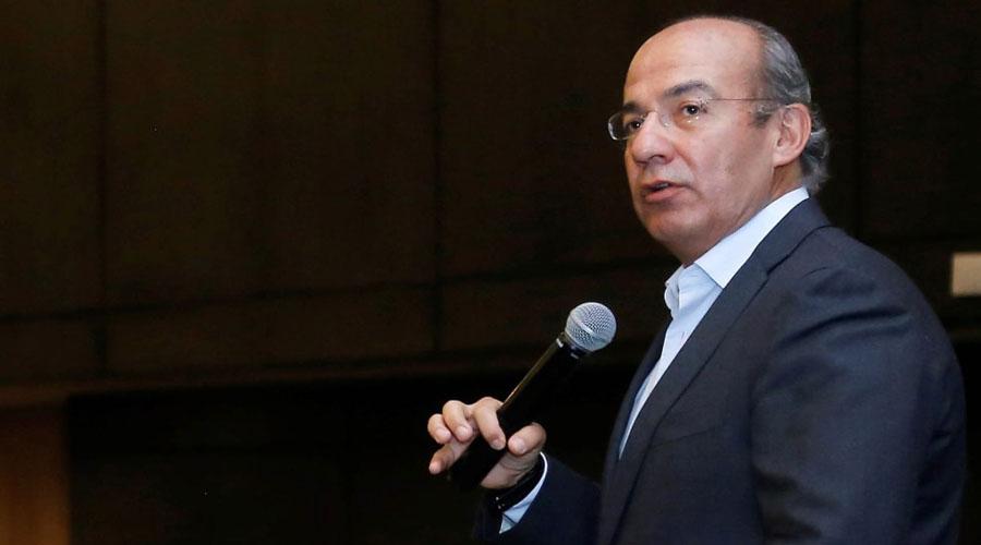 Más de 24 mil rechazaron visita de Felipe Calderón al Tec y él, finalmente, lo acepta | El Imparcial de Oaxaca