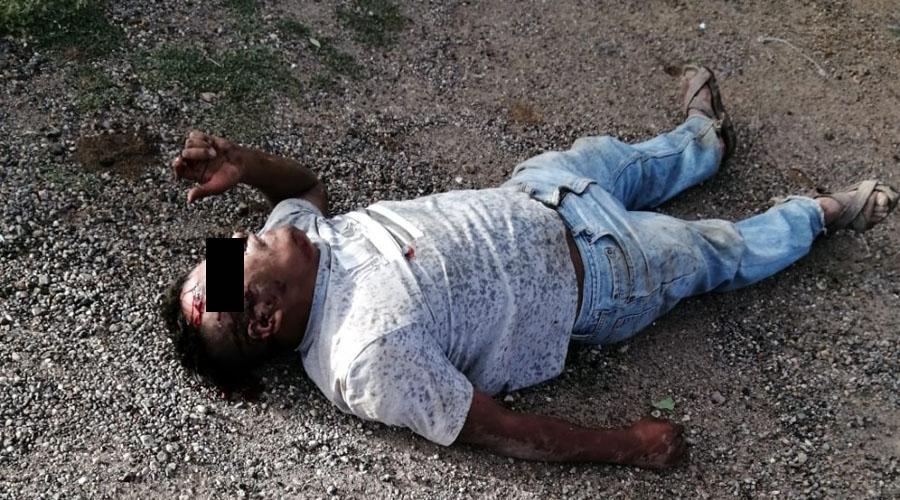 Sale proyectado al voltear su camión en Yagul | El Imparcial de Oaxaca