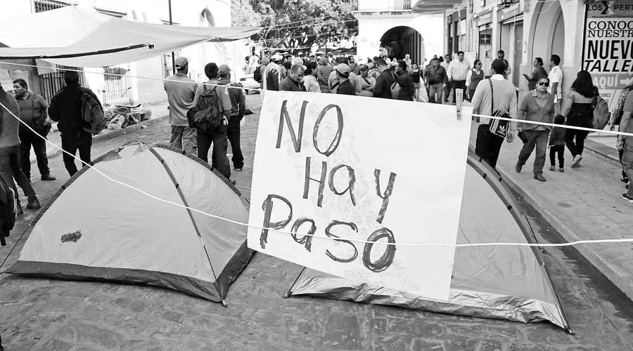 Conmemoran la Revolución entre protestas   El Imparcial de Oaxaca