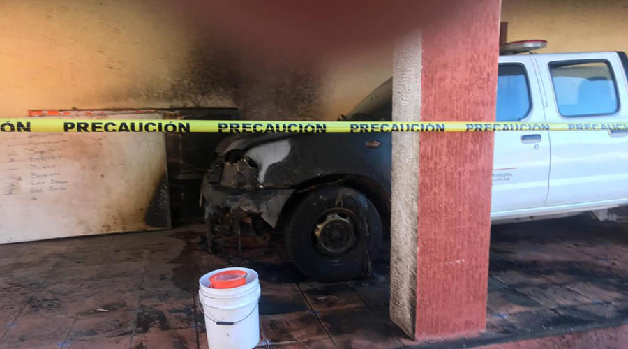 Inconformes queman patrulla en Huajolotitlán | El Imparcial de Oaxaca