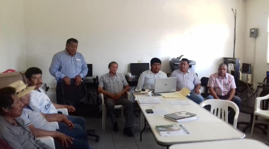 Candidatos a la presidencia de Toxpalan firman pacto de respeto | El Imparcial de Oaxaca