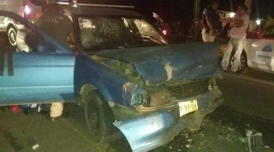 Se registra fuerte choque entre taxi y auto particular en Pinotepa | El Imparcial de Oaxaca