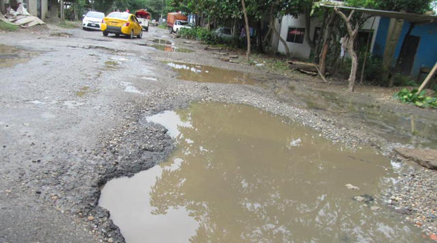 Exigen reparación en carretera Jalapa de Díaz-Tuxtepec | El Imparcial de Oaxaca