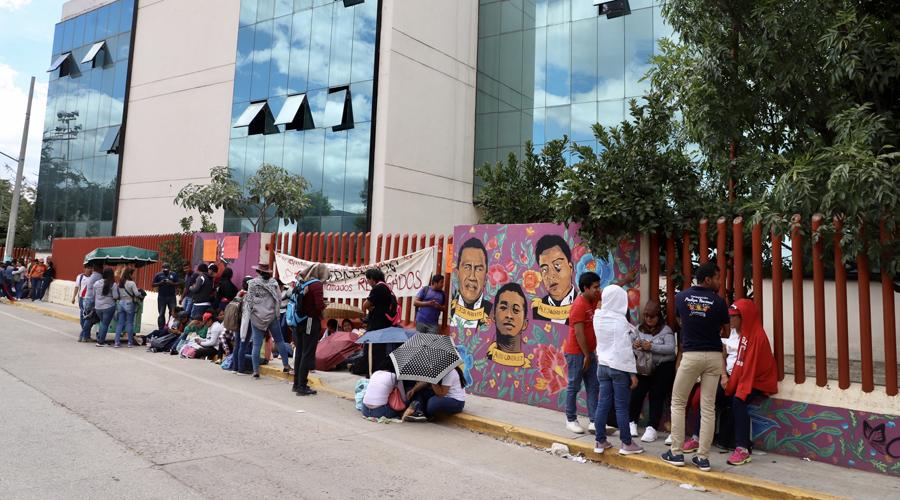 No dan tregua; siguen bloqueos y marchas | El Imparcial de Oaxaca