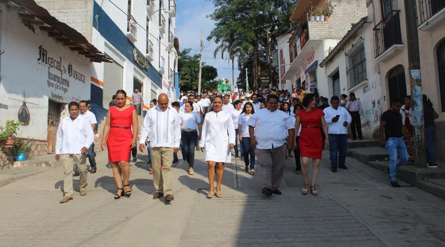 Sin incidencias, el desfile del 20 de noviembre en Cuicatlán | El Imparcial de Oaxaca