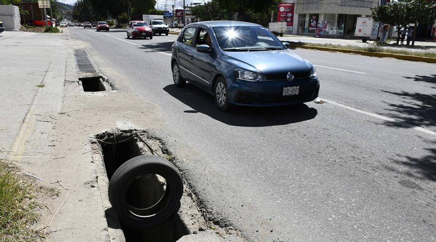 Registros de alcantarilla son trampas mortales | El Imparcial de Oaxaca