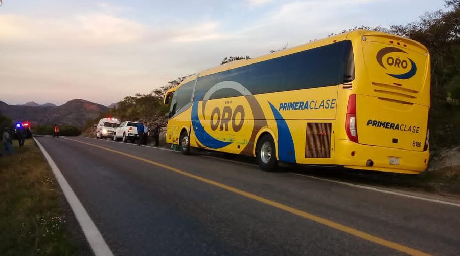 Chocan autobús y camioneta   El Imparcial de Oaxaca
