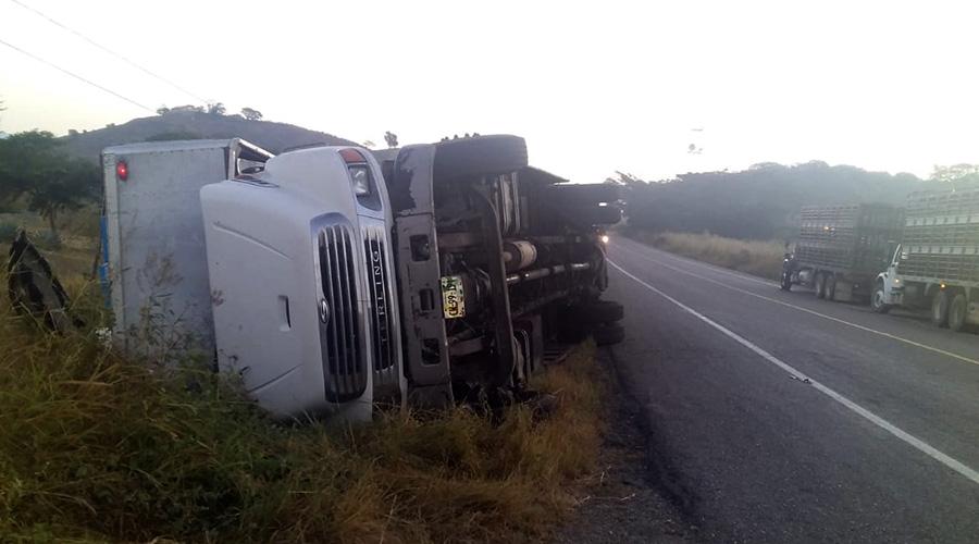 Se impactan dos unidades pesadas en Niltepec | El Imparcial de Oaxaca