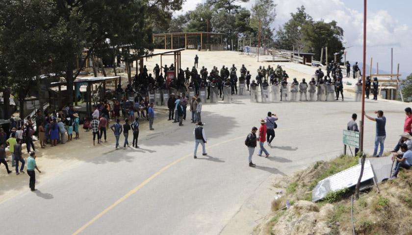 Por la fuerza recuperan el pedimento de Juquila | El Imparcial de Oaxaca