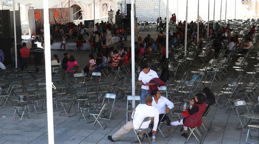 Irrumpen en celebración de la 4T en la Plaza de la Danza | El Imparcial de Oaxaca