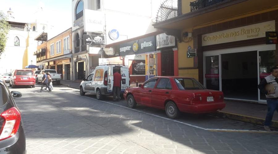 Regularán aparcamiento de autos en las calles | El Imparcial de Oaxaca