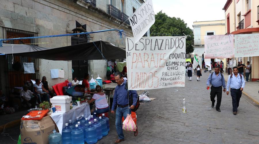 Denuncian fraude desalojados del polígono de Monte Albán | El Imparcial de Oaxaca