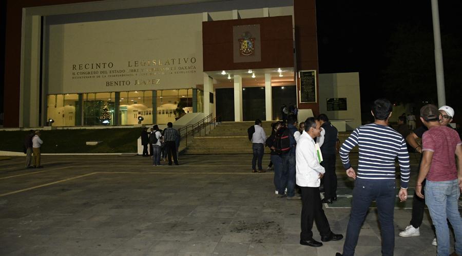 Sesionan diputados de Oaxaca 'dos minutos' | El Imparcial de Oaxaca