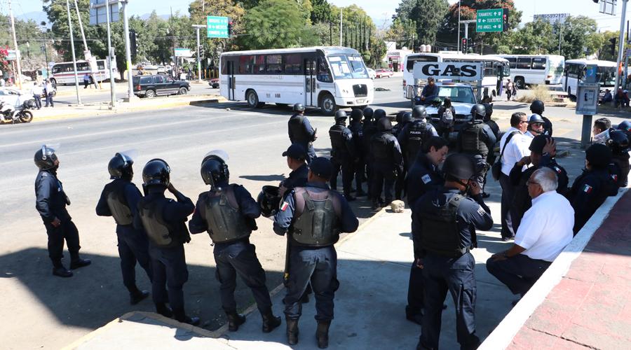 Violentan manifestantes derechos de ciudadanos | El Imparcial de Oaxaca