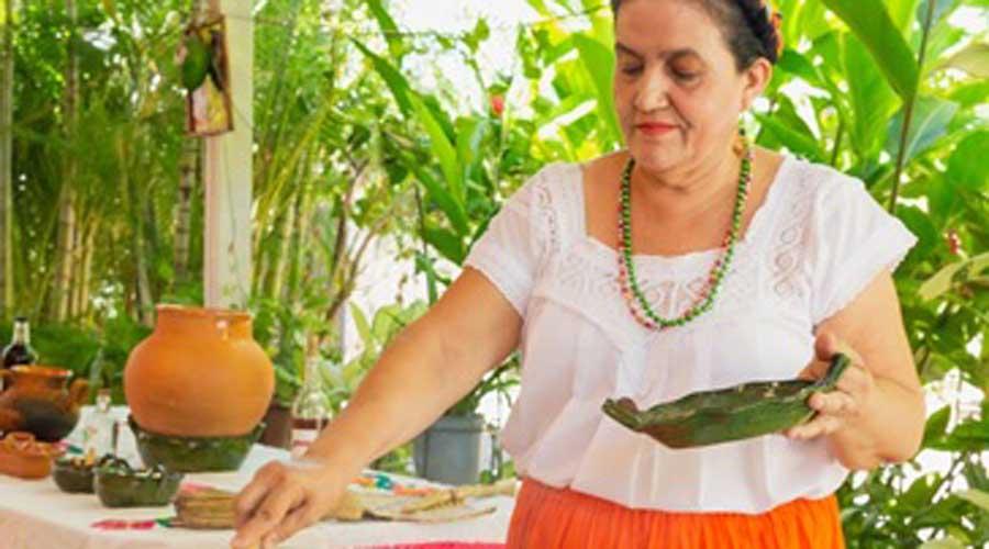 Participará cocinera cuicateca en elaboración de bebidas | El Imparcial de Oaxaca
