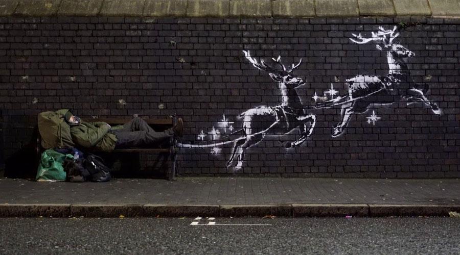 Banksy presenta su mural para no olvidar a las personas sin hogar en esta temporada navideña | El Imparcial de Oaxaca