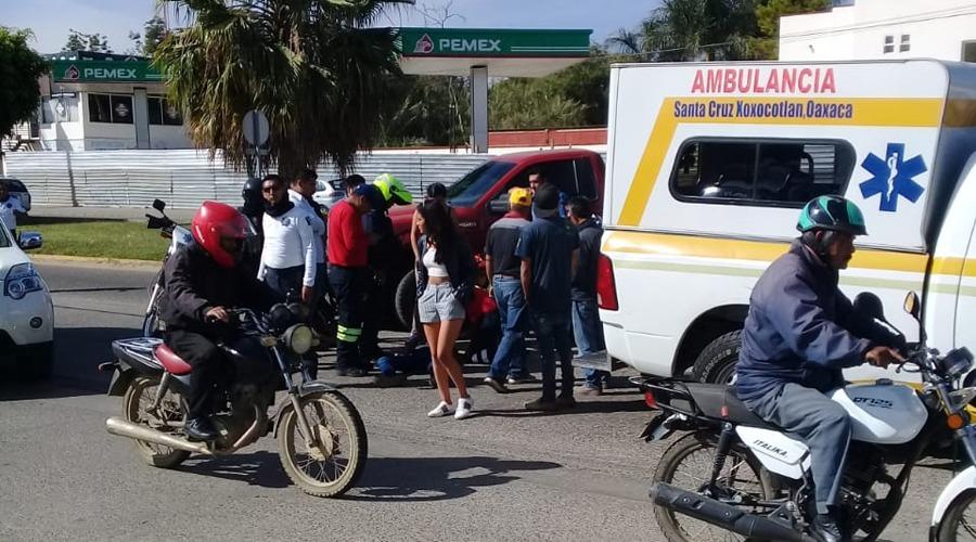 Arrollan a dos motociclistas | El Imparcial de Oaxaca
