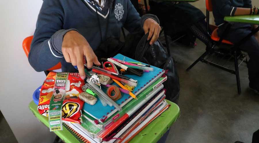 Pide una escuela 'Mochila Segura'   El Imparcial de Oaxaca