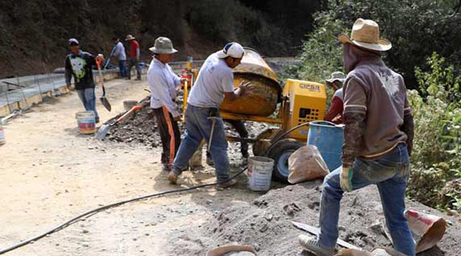 Caminos rurales quitan trabajo a empresas constructoras: Sinfra   El Imparcial de Oaxaca
