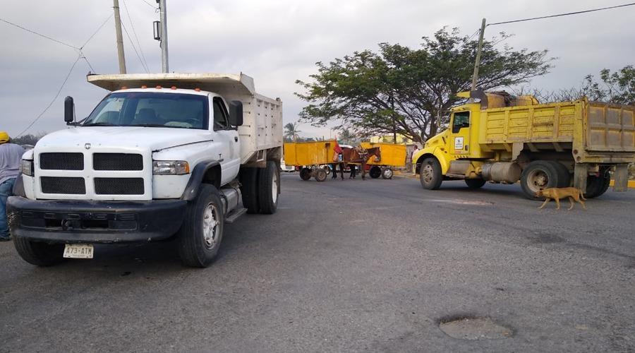 Recolectores de basura bloquean carretera en el Istmo de Tehuantepec | El Imparcial de Oaxaca