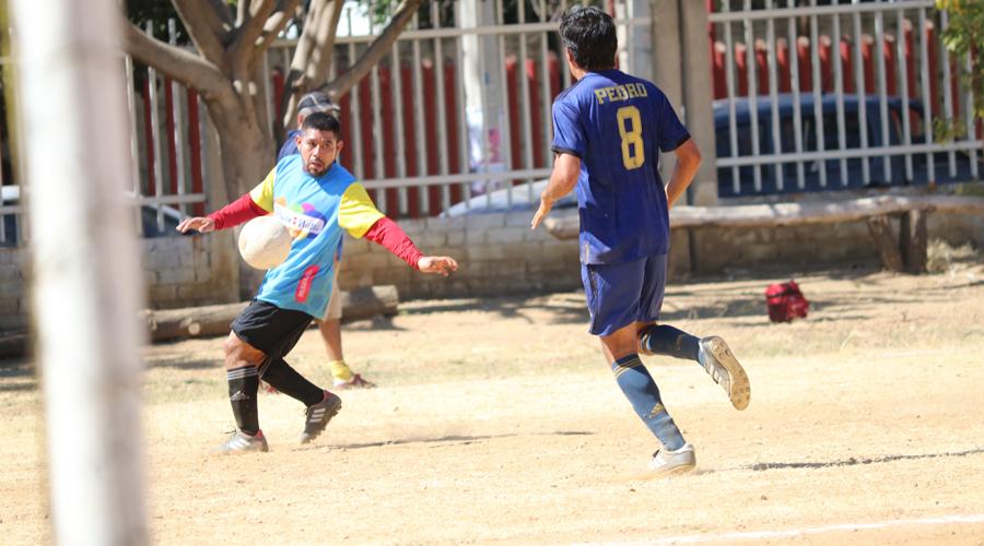 Primer triunfo de Sityps en Veteranos | El Imparcial de Oaxaca