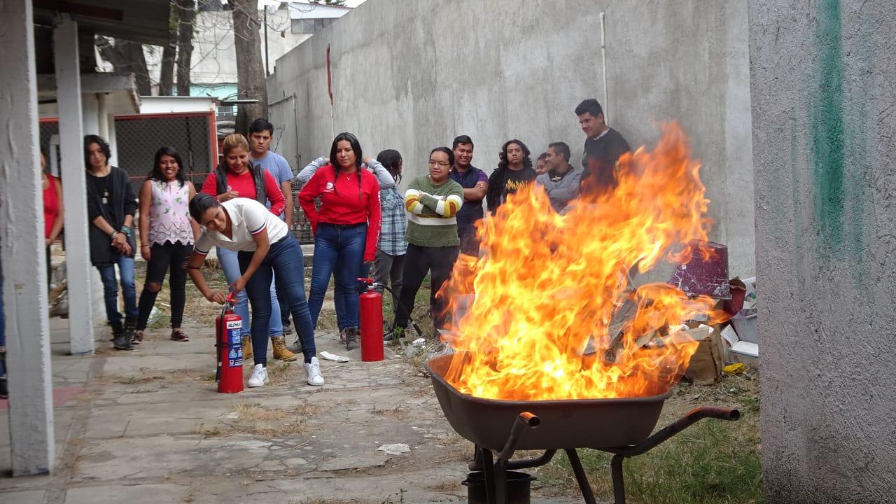 Sólo un 10% de becarios están en el servicio público en Oaxaca | El Imparcial de Oaxaca