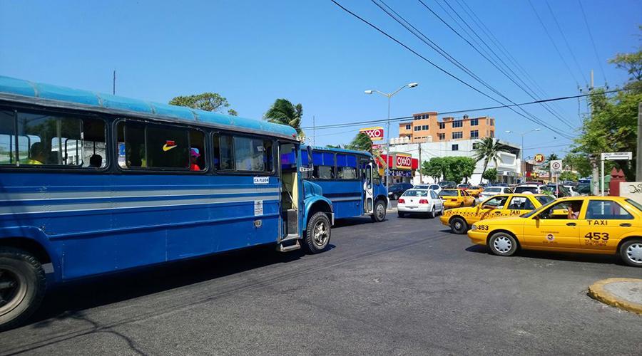 Continúa la lucha por el control del transporte en Salina Cruz | El Imparcial de Oaxaca