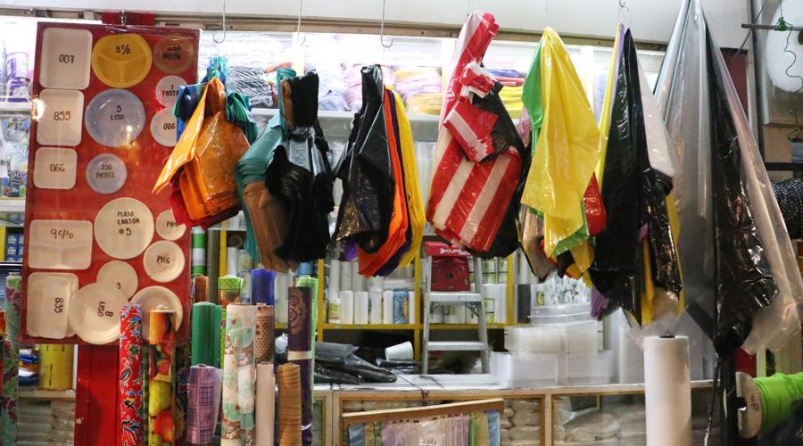 Nulos avances para retirar plástico y unicel en comercios | El Imparcial de Oaxaca