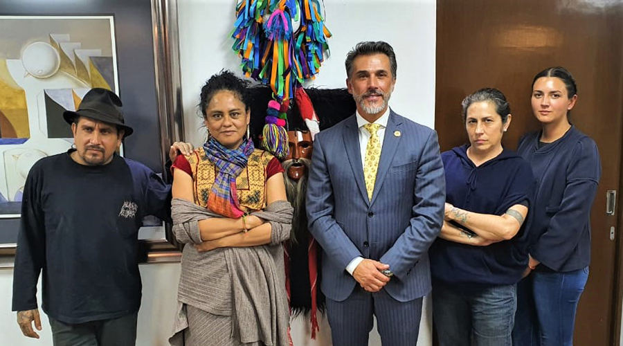 Familia Toledo y Sergio Mayer acuerdan retirar nombre a medalla | El Imparcial de Oaxaca