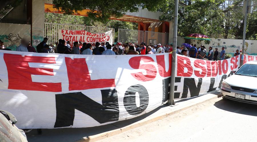Se van a paro indefinido sindicalizados de UABJO   El Imparcial de Oaxaca