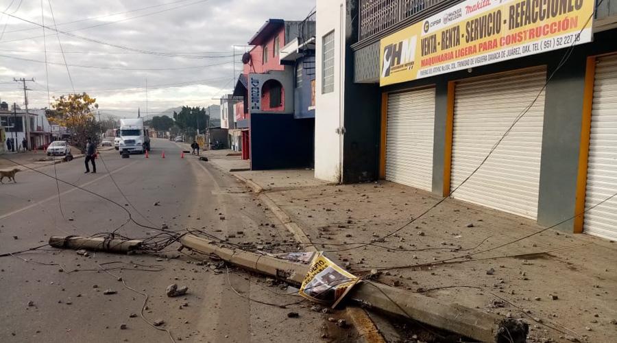 Ebrio derriba poste y escapa | El Imparcial de Oaxaca