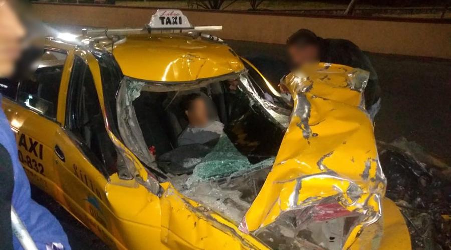 Ebrio taxista causa un brutal accidente en el crucero del ITO | El Imparcial de Oaxaca