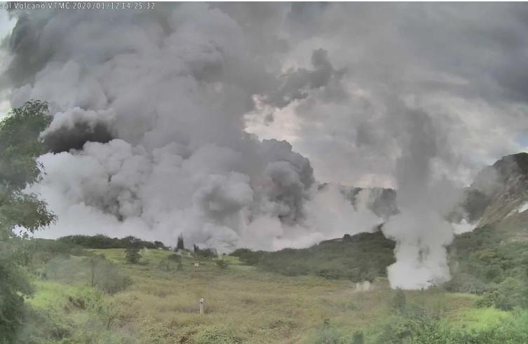 Video: Hace erupción volcán Taal en Filipinas | El Imparcial de Oaxaca