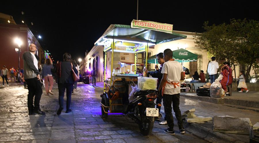 Monopolio y agandalle controlan trabajos en ambulantaje | El Imparcial de Oaxaca