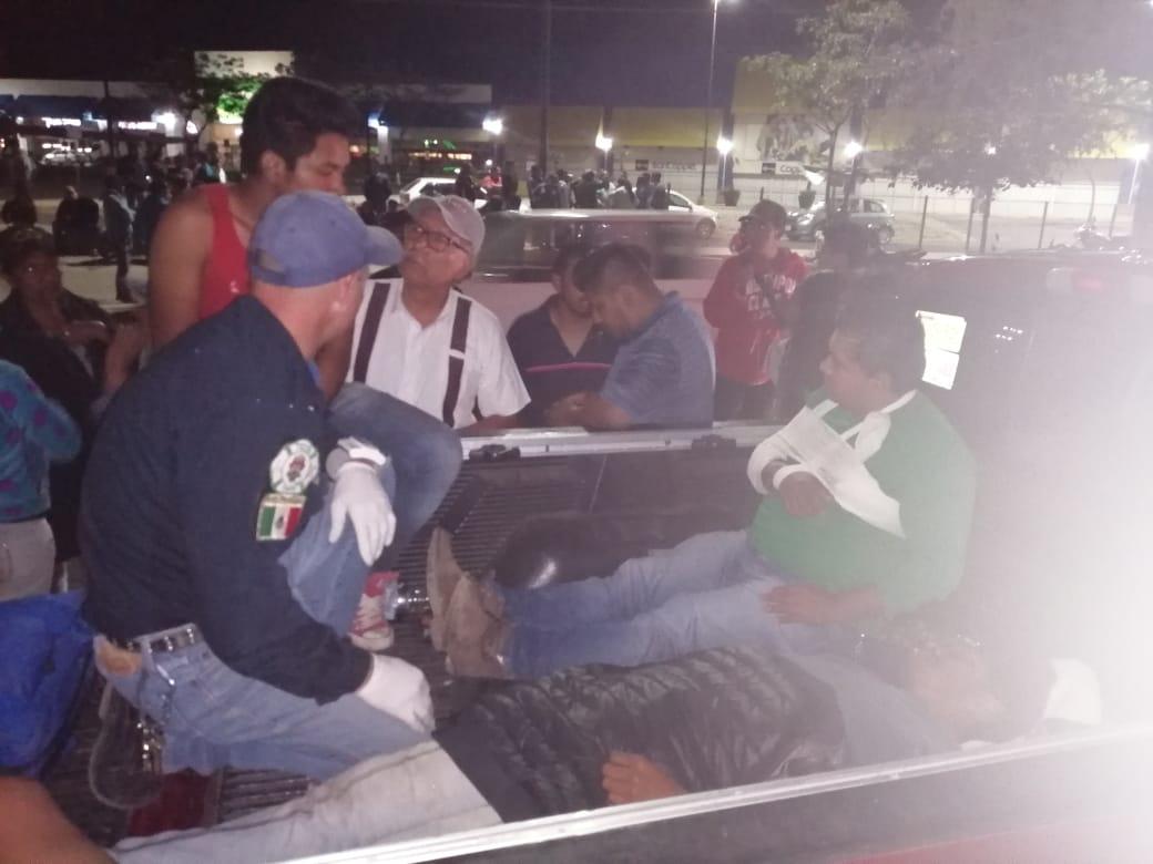 Policías de Oaxaca se enfrentan con mototaxistas   El Imparcial de Oaxaca
