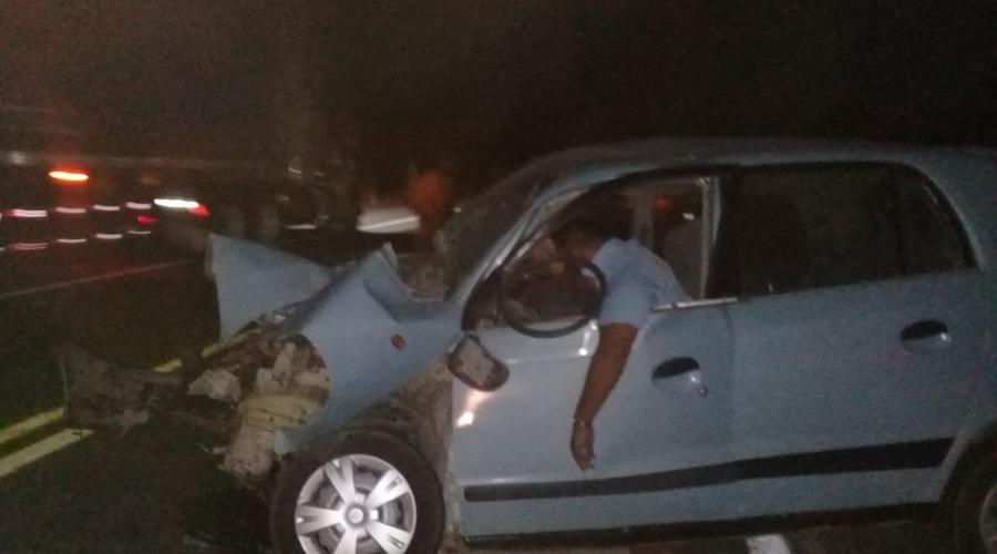 Hombre muere al estampar su auto contra un tractor | El Imparcial de Oaxaca