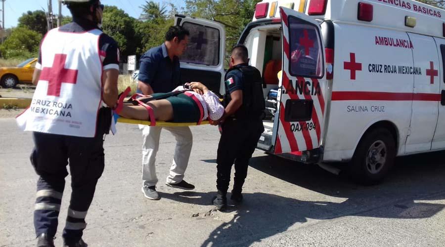 Atropella y manda al hospital a una mujer en Salina Cruz. | El Imparcial de Oaxaca