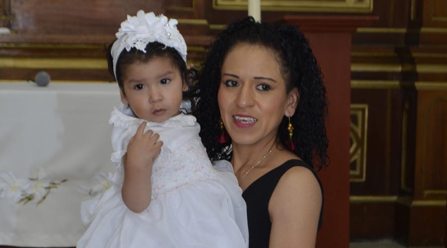 Ana Ximena, recibió el sacramento en la pila bautismal.