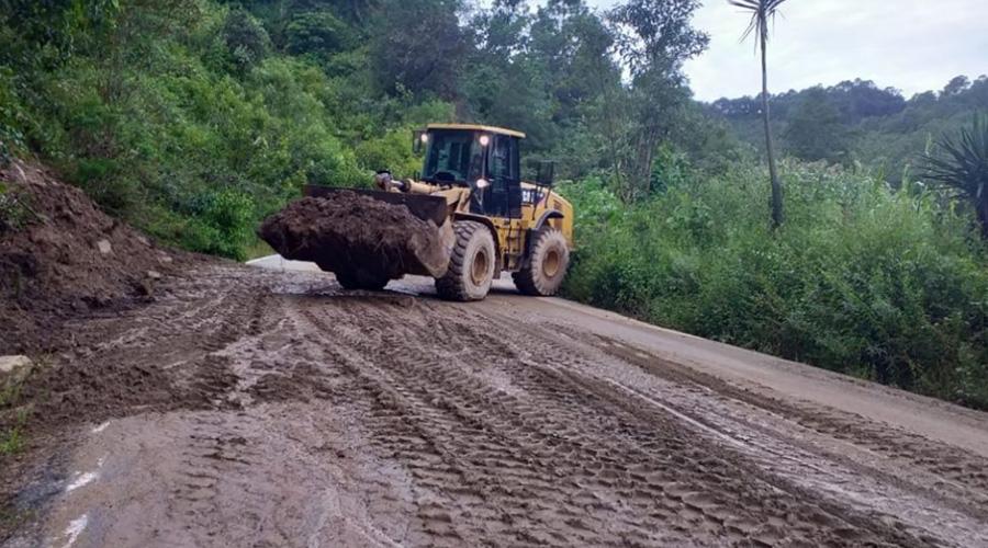Denuncian desvíos de recursos para caminos en la Mixteca | El Imparcial de Oaxaca