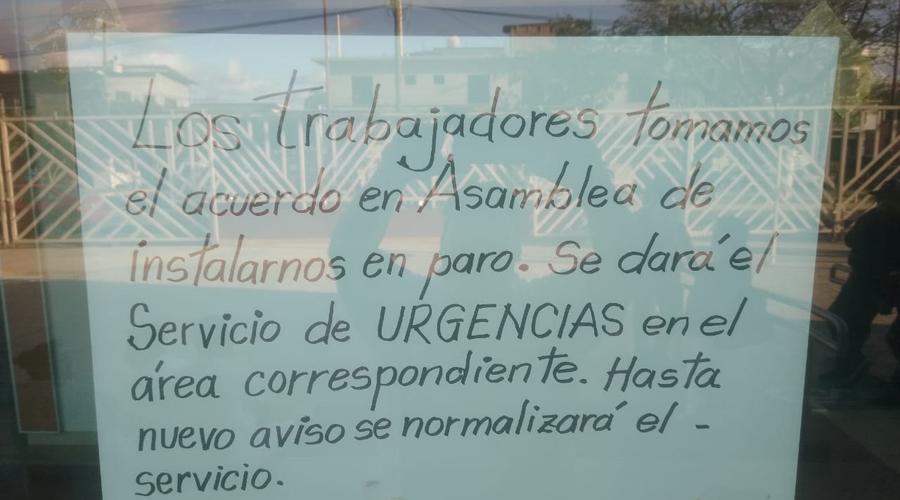 En asamblea, empleados del Hospital General de Juchitán