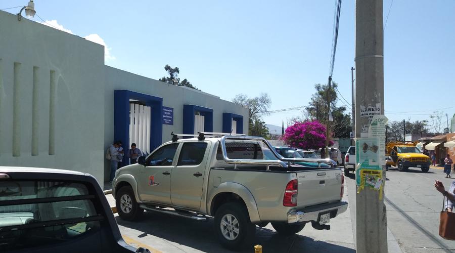 Se registró asalto violento en estacionamiento de la agencia de Ixcotel