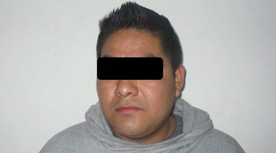 Policia Municipal de Oaxaca detiene a hombre por violencia familiar   El Imparcial de Oaxaca