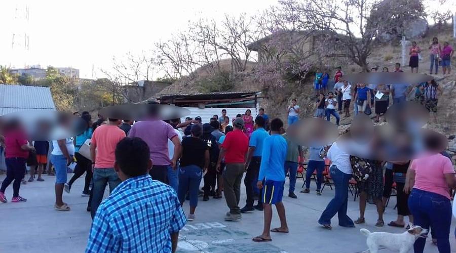 Se enfrentan maestros y padres de familia por destitución de director en Salina Cruz   El Imparcial de Oaxaca