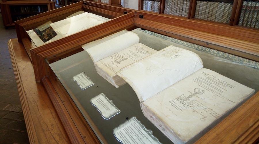 Libros 'prohibidos' ven la luz en la Biblioteca Burgoa   El Imparcial de Oaxaca