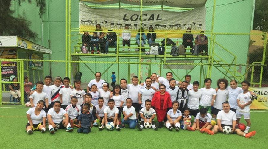 Dos oaxaqueños, a Selección de Futbol para personas de talla baja