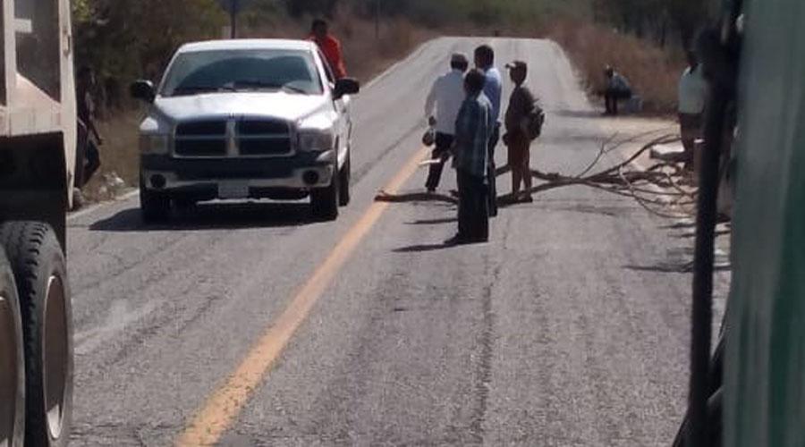 Bloquean la carretera federal 200 en Pinotepa | El Imparcial de Oaxaca